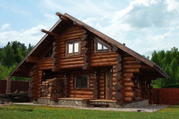 Особенности домов из рубленого бревна